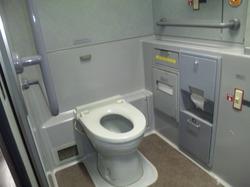 E1系 車椅子用トイレ