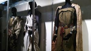 ヨシヒコ 衣装